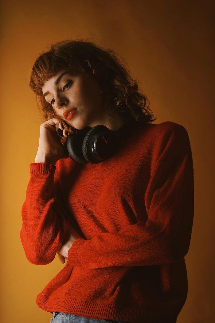 woman-headphones
